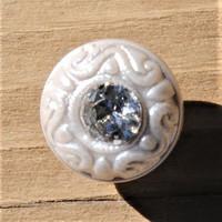 Valkoinen koristeellinen kantanappi, 11 mm