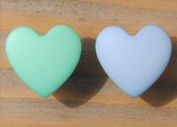 Sydämen mallinen kantanappi, 12 mm, kaksi väriä