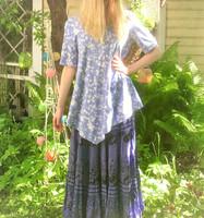 Sininen kukkakuviollinen luomupuuvillatrikoo, 1 metri