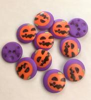 Violetti kurpitsakuvioinen nappi, 15 mm