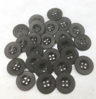 Musta nappi, 18 mm