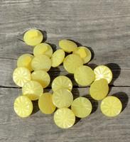 Keltainen kantanappi, 11 mm