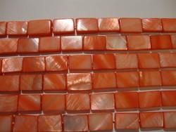 Simpukkahelmi punainen 10 x 15 mm (n.26/nauha)