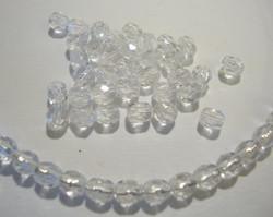Tsekkiläinen fasettihiottu lasihelmi pyöreä kristallin kirkas 4 mm (100 kpl/pss)