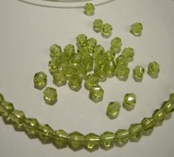 Tsekkiläinen fasettihiottu bicone oliivin vihreä 4 mm (100/pss)