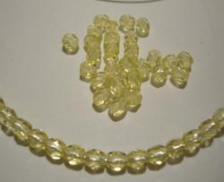 Tsekkiläinen fasettihiottu lasihelmi pyöreä keltainen 4 mm (100/pss)