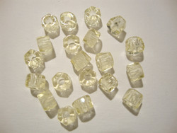 Tsekkiläinen fasettihiottu rondelli keltainen 6 x 3mm (n. 50 kpl/pss)