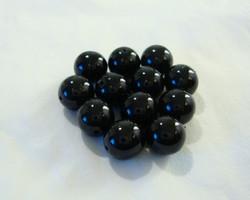 Tsekkiläinen lasihelmi opaakki musta pyöreä 8 mm (20kpl/pss)