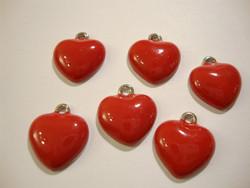 Sydänriipus emaloitu punainen (tausta hopeanvärinen) 18 x 16 mm (2 kpl/pss)