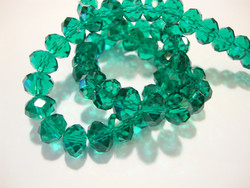 Kristallihelmi smaragdinvihreä rondelli 6 x 8 mm (20 kpl/pss)