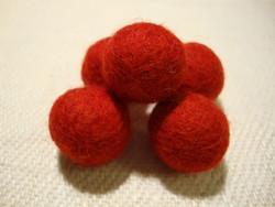 Huovutettu helmi puolukan punainen n. 23 mm (5 kpl/pss)