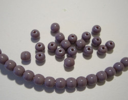 Tsekkiläinen lasihelmi opaakki lila/violetti pyöreä 4 mm (50/pss)