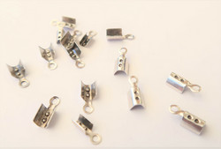 Nauhanpää hopeoitu 2  mm nauhalle 8 x 3 mm (10 kpl/pss)