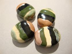 Keramiikkahelmi Acasia vihreä/musta/valkoinen ovaali 22x15x8 mm