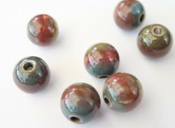 Keramiikkahelmi vihreä/punainen/turkoosi pyöreä 16 mm (2 kpl/pss)