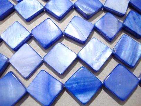 Simpukkahelmi sininen 10 x 10 mm (n.29/nauha)