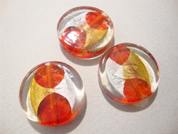 Lamppuhelmi punainen / hopea / kulta pyöreä litteä 22 mm