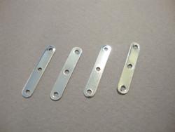 Nauhanjakaja 3 reikää 20 x 4 mm, reijänväli n. 9 mm (10 kpl/pss)