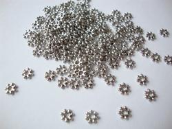 Välihelmi litteä pallorondelli (antiikkihopean värinen) hopeoitu 4 mm (30 kpl/pss)