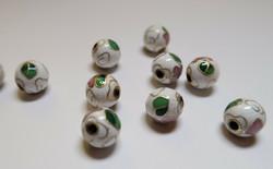 Cloisonne-helmi valkoinen/monisävy pyöreä 8 mm (4 kpl/pss)