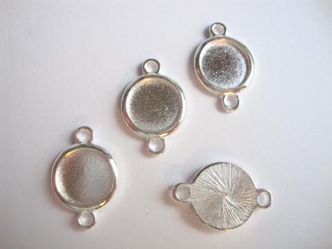 Korulinkki / riipus hopeoitu pyöreä 23 x 15 mm (2 kpl/pss)