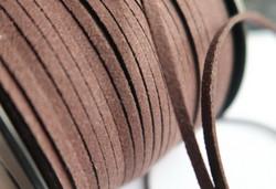 Mokkanauha (faux suede) tumma ruskea/kahvinruskea 3 x 1,4 mm (m-erä 5 m)