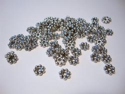 Metallihelmi/Välihelmi litteä pallorondelli antiikkipatinoitu hopeanvärinen 6 x 2 mm (20/pss)