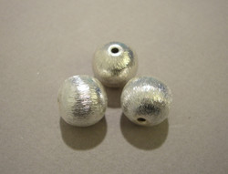 Metallihelmi 925 sterling hopea harjattu pinta 12 mm