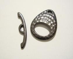 TierraCast Salpalukko Taottu ellipsi musta 22 x 16 mm/salpa 24 mm