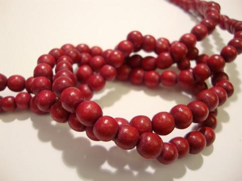 Puuhelmi karpalon punainen pyöreä 6 mm (n. 74 kpl/nauha)