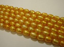 Makeanvedenhelmi kulta soikea 6 x 5 mm (37 cm nauha)