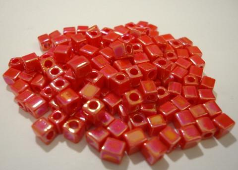 Miyuki siemenhelmi kuutio 3.5-3.7 mm opaakki sateenkaari punainen SB407R (10 g/pss)