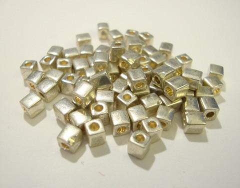 Miyuki siemenhelmi kuutio 3.5-3.7 mm opaakki metalli hopea SB1051 (10 g/pss)