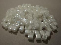 Miyuki siemenhelmi kuutio 3.5-3.7 mm opaakki metalli valkoinen SB420 (10 g/pss)
