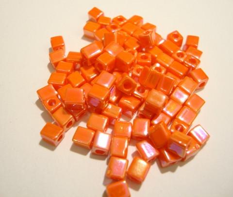 Miyuki siemenhelmi kuutio 3.5-3.7 mm opaakki sateenkaari oranssi SB406R (10 g/pss)