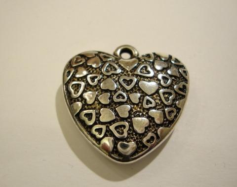 Sydänriipus antiikkipatina akryyli 30 x 30 mm