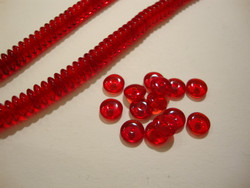 Tsekkiläinen lasihelmi punainen rondelli 6 x 2,5 mm (10 g = n. 90 kpl)