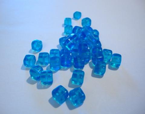 Tsekkiläinen lasihelmi akvamariinin sininen kuutio 7 x 5 mm (10/pss)