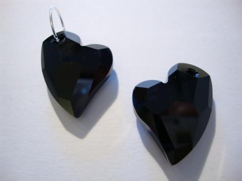 Swarovski kristalli Devoted 2 U -sydänriipus musta (Jet) 27 mm