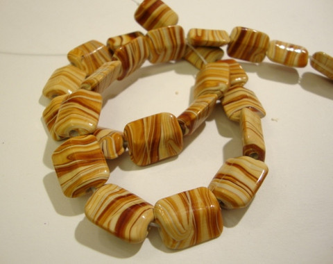Lasihelmi suorakaide keltainen/ruskea 15 x 12 mm (4/pss)