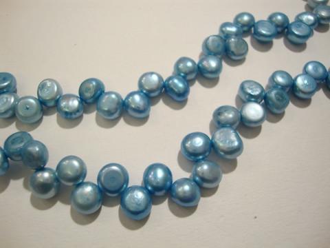 Makeanvedenhelmi n. 6-7 mm pyöreähkö, vaalean sininen (37 cm nauha)