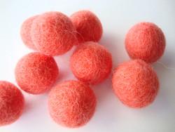 Huovutettu helmi korallinpunainen n. 23 mm (5 kpl/pss)