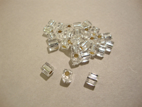 Miyuki siemenhelmi kuutio 3.5-3.7 mm kirkas hopeareuna SB1 (10 g/pss)