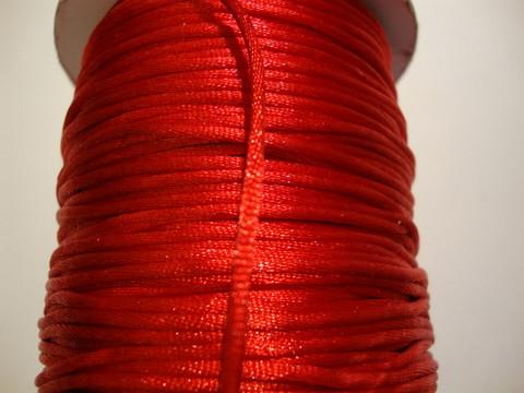 Satiininauha kirkkaanpunainen 1,5 mm (m-erä 2 m)