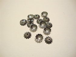 Helmihattu musta uritettu 6 mm (20/pss)