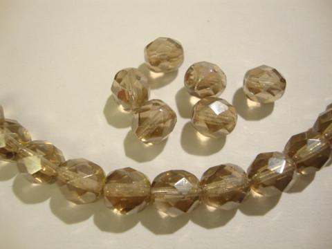 Tsekkiläinen fasettihiottu lasihelmi pyöreä vaalea topaasi 8 mm (20/pss)