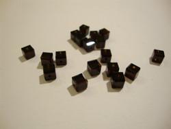 Swarovski kristallihelmi mocca (ruskea) kuutio 4 mm (4/pss)