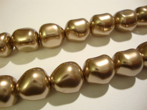 Swarovski barokki helmiäislasihelmi pronssi 12 mm (2 kpl/pss)