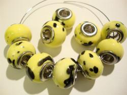Pandora style -helmi keltainen / musta 11 x 15 mm