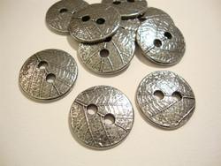 TierraCast Metallinappi pyöreä lehtikuvio hopeoitu 18 mm